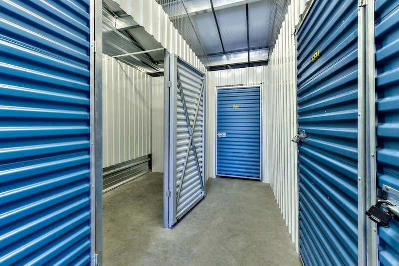 Rent Vaudreuil-Dorion storage units at 2150 Rue Chicoine. We offer a wide-range of affordable self storage units and your first 4 weeks are free!