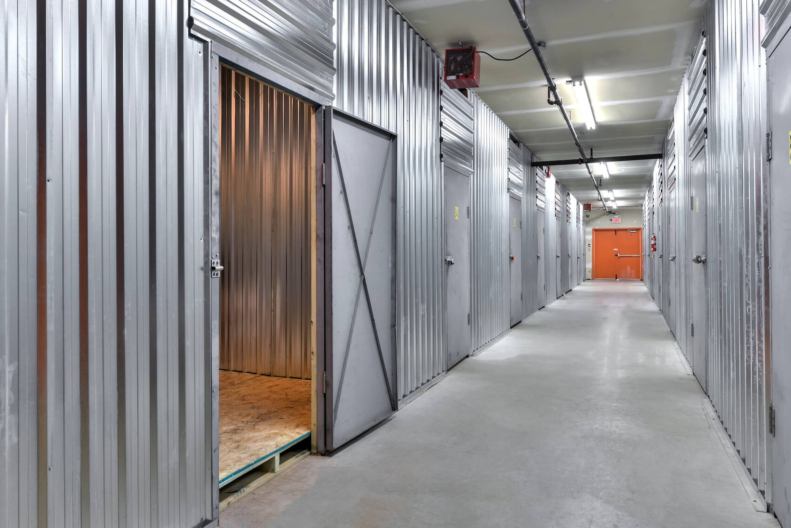 Rent Saint-Eustache storage units at 900 Boul Industriel. We offer a wide-range of affordable self storage units and your first 4 weeks are free!