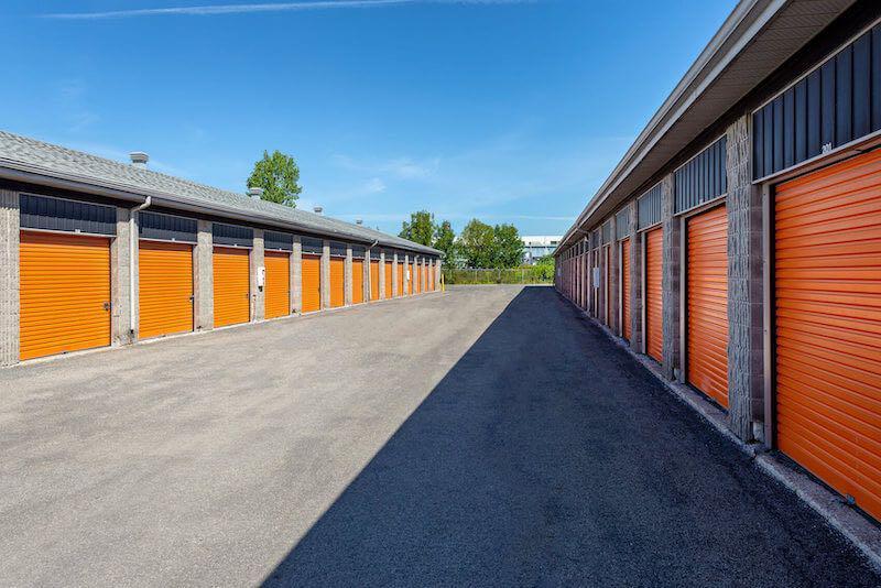 Depotium Mini-Entrepôt – Saint-Eustache, située au 900, boulevard Industriel, a la solution d'entreposage qu'il vous faut. Réservez dès aujourd'hui!