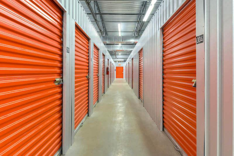 Rent Saint-Eustache storage units at 405 Avenue Mathers. We offer a wide-range of affordable self storage units and your first 4 weeks are free!